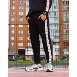 Короткие спортивные штаны