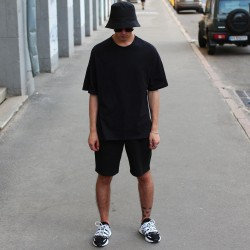 Костюм футболка шорты чёрный