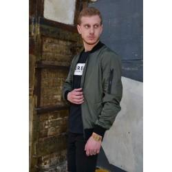 Короткая куртка бомбер