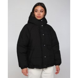 Короткая зимняя куртка женская чёрная