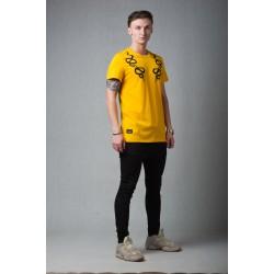Жёлтая футболка с принтом