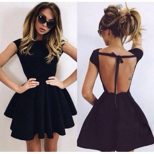 Платье с пышной юбкой открытой спиной