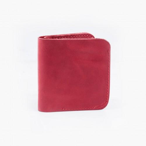 Классический кошелек красного цвета