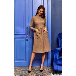 Платье с карманами до колен