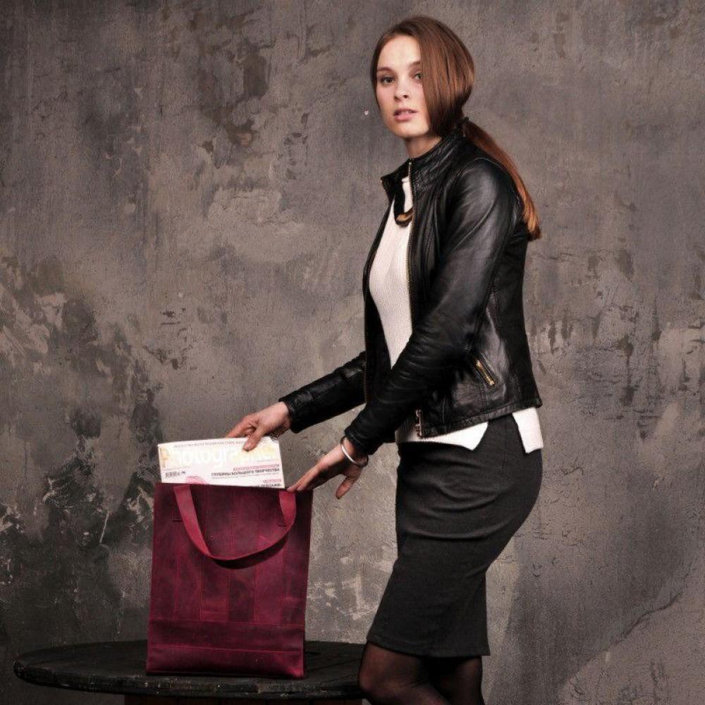 Классическая женская сумка из натуральной кожи фото