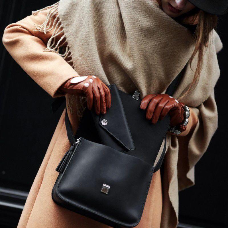 Женская классическая сумка из кожи
